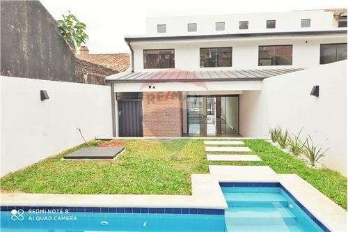 Duplex Con Piscina En Barrio Mburucuya Cod.048 - 5