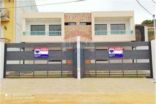 Duplex Con Piscina En Barrio Mburucuya Cod.048 - 0
