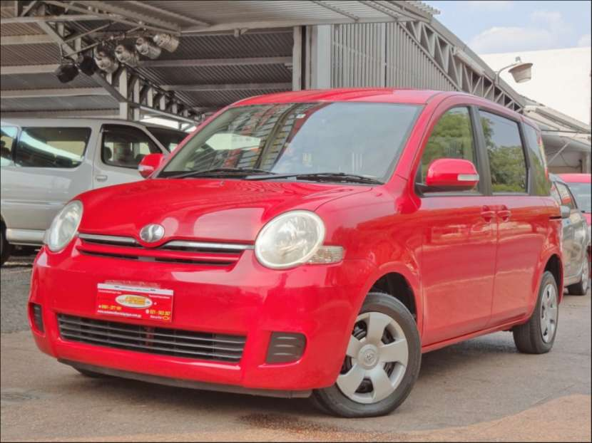 Toyota Sienta 2006 motor vvti 1.5 naftero automático - 1