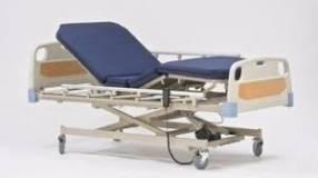 Cama hospitalaria de 3 movimientos eléctrica c/ colchón