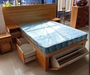 Cama de madera 140x190 cm sin colchón