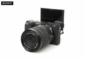 Cámara Sony Aplha A6400 Kit 18-135mm