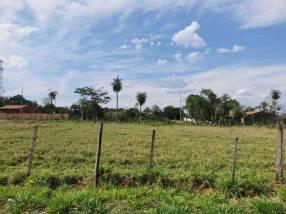 Terreno en Areguá barrio San Cayetano zona iglesia CFA