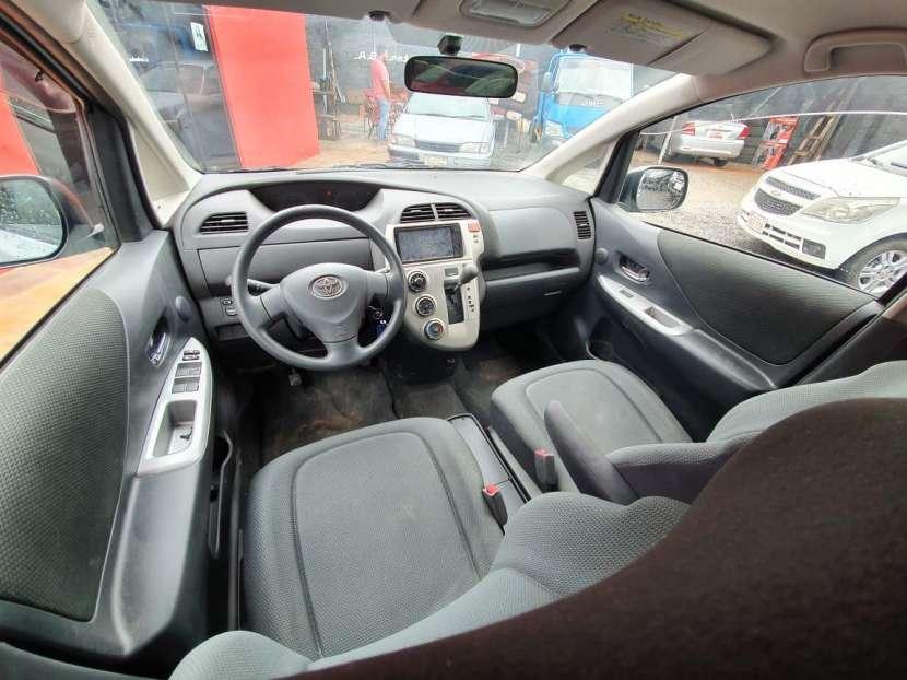 Toyota Ractis 2010 - 3