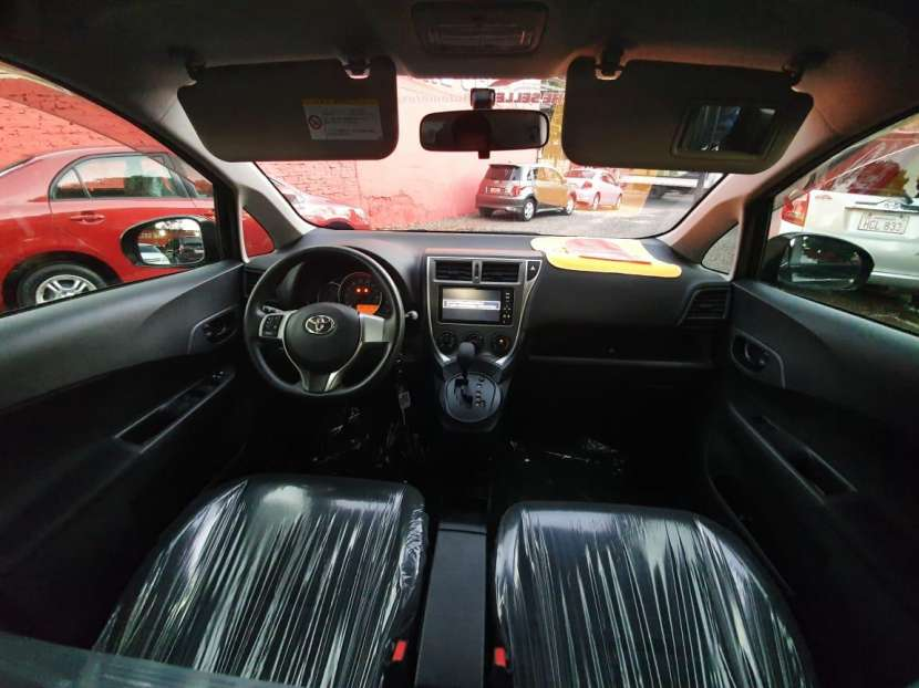 Toyota Ractis 2013 - 6