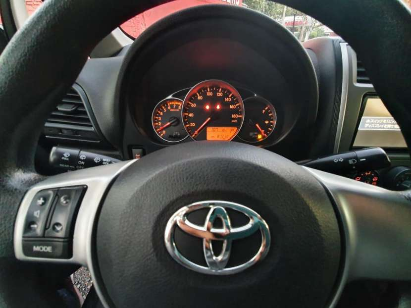 Toyota Ractis 2013 - 7