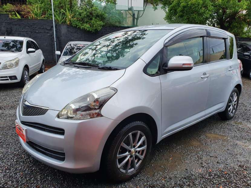 Toyota Ractis 2010 - 8