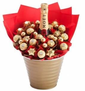Champagñera con Champagne Chandon con chocolates