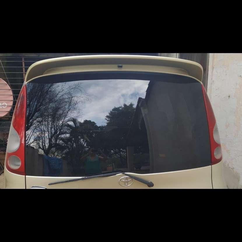 Vidrio trasero Toyota FunCargo 2000 - 0