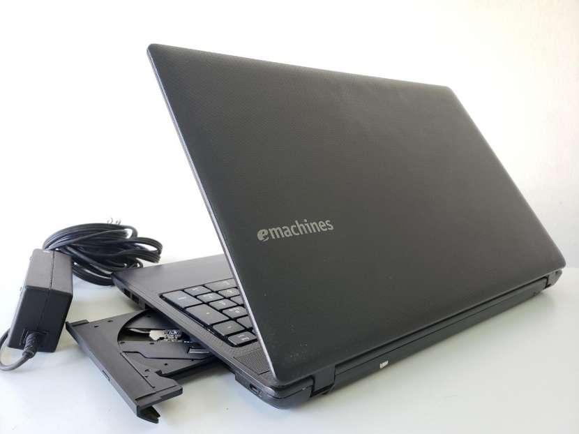 Notebook Emachines de 15.6 pulgadas - 4