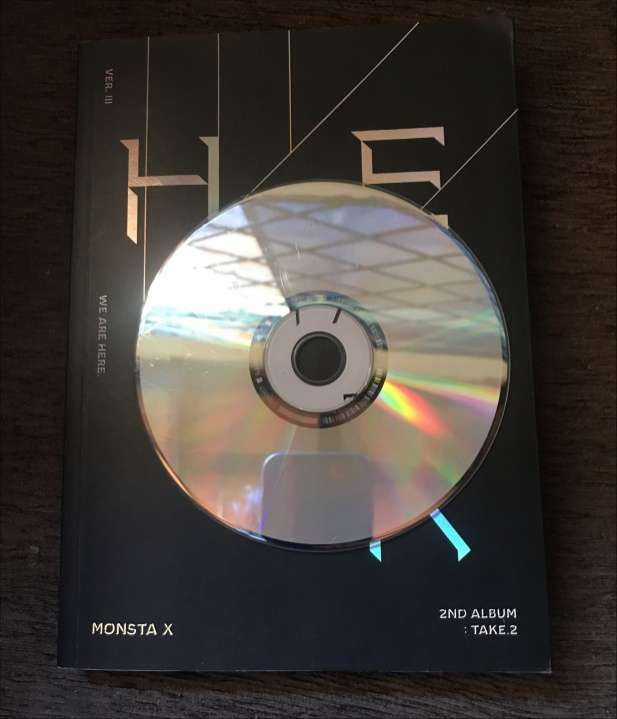 Álbum We Are Here Monsta X - 2
