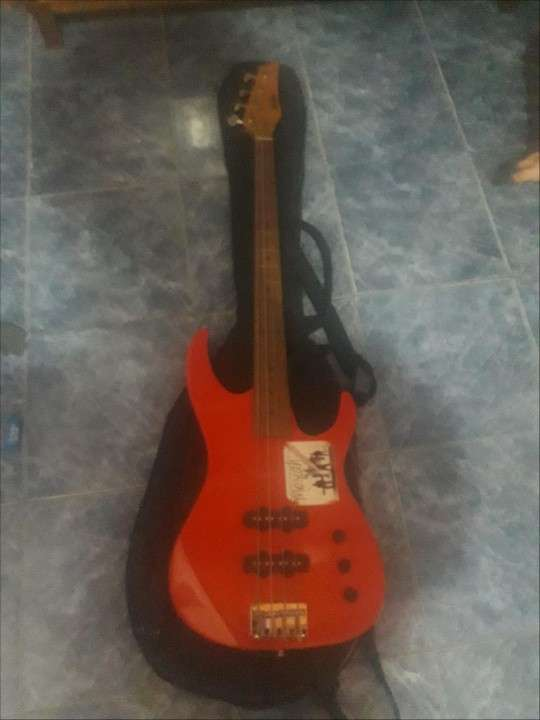 Bajo y guitarra - 2