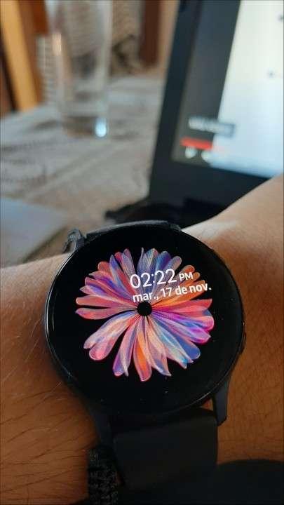 Samsung Galaxy Watch Active 2 - 0