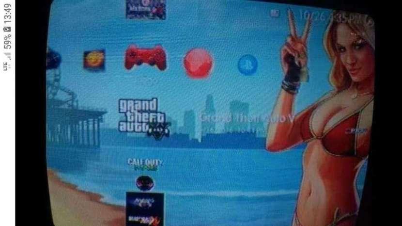 PS3 con 67 juegos y 2 controles - 0
