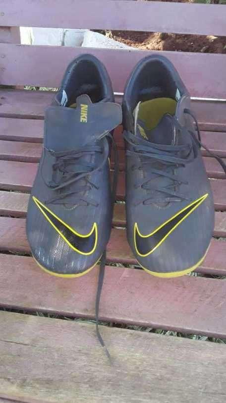 Botín Nike calce 41 - 3