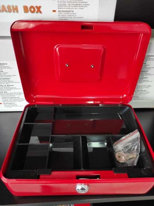 Caja de dinero 20672591 - 2