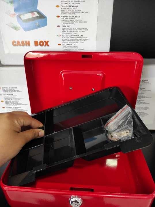Caja de dinero 20672591 - 3