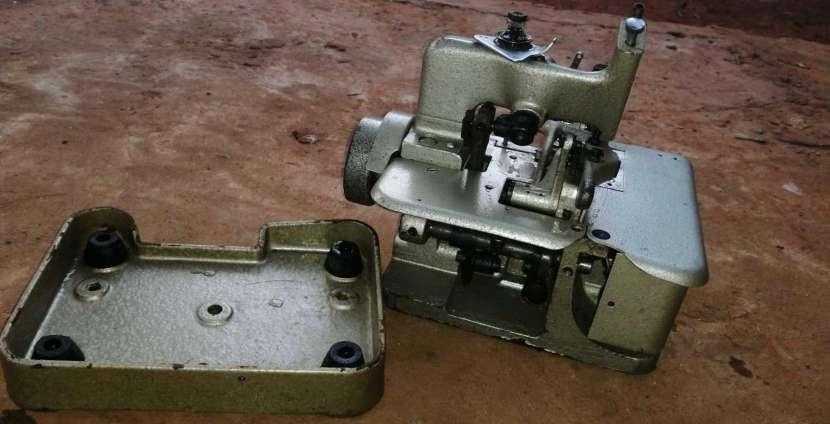 Máquina Overlock de 3 hilos - 0
