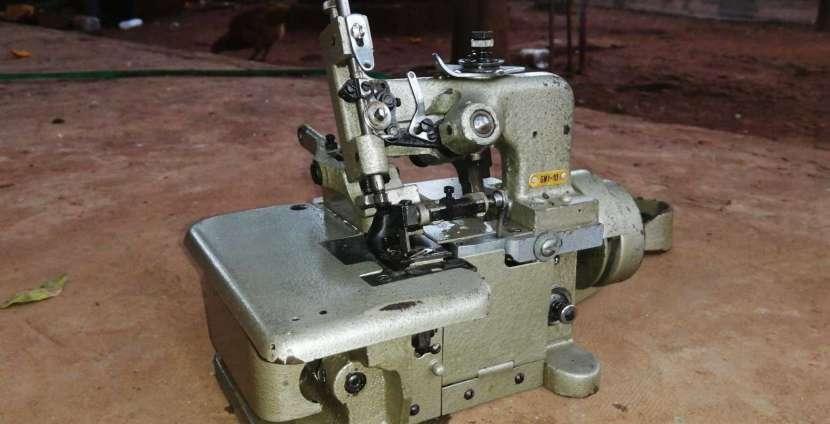 Máquina Overlock de 3 hilos - 1