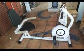 Bicicleta horizontal Tecnofitness