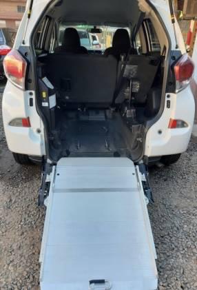 Toyota Ractis 2014 motor vvti 1.5 naftero automático con rampa trasera