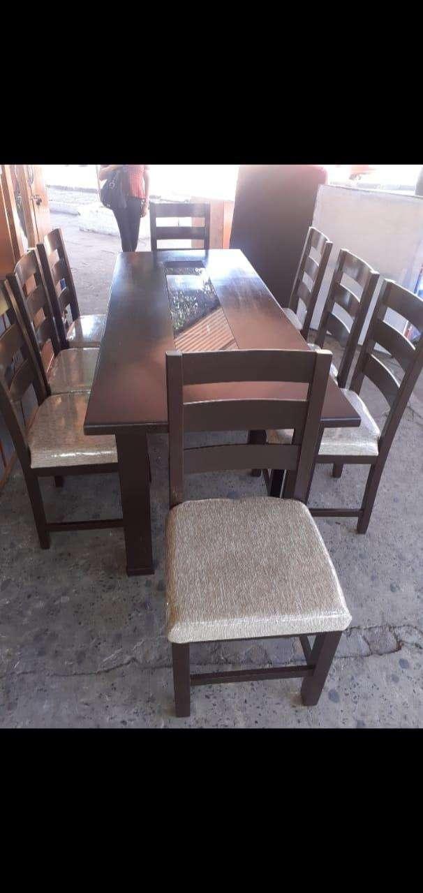 Comedor con 8 sillas - 0