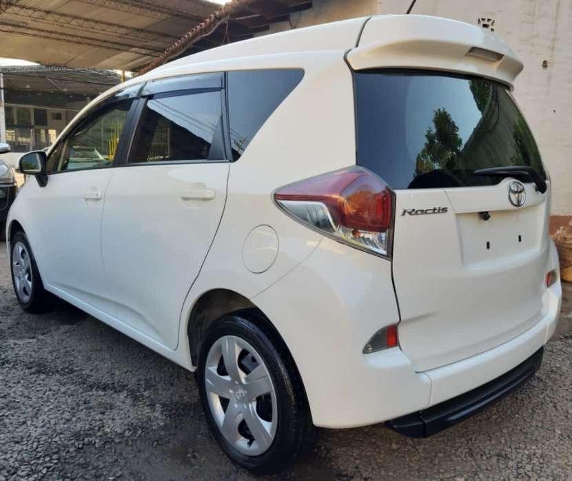 Toyota Ractis 2014 motor vvti 1.5 naftero automático con rampa trasera - 2