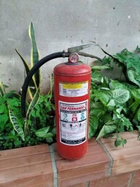 Extintor recargable de 10kg por 90mil