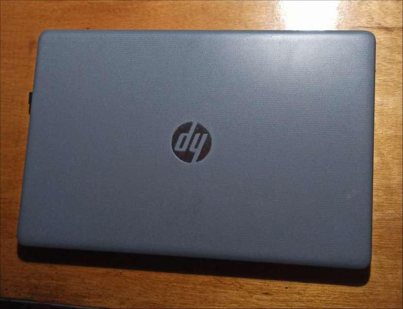 Notebook HP 15-da0001la - 1