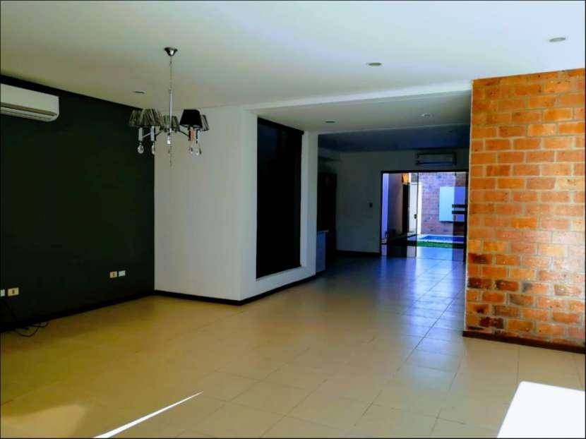 Dúplex tipo casa 3 dormitorios en Las Golondrinas - 2