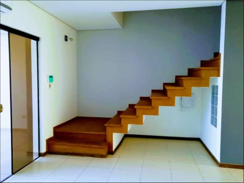 Dúplex tipo casa 3 dormitorios en Las Golondrinas - 6