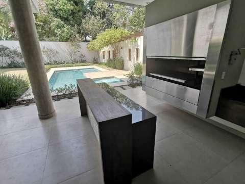Casa minimalista en Los Laureles - 3