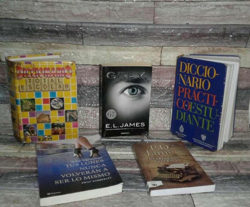 Novelas y diccionarios - 0