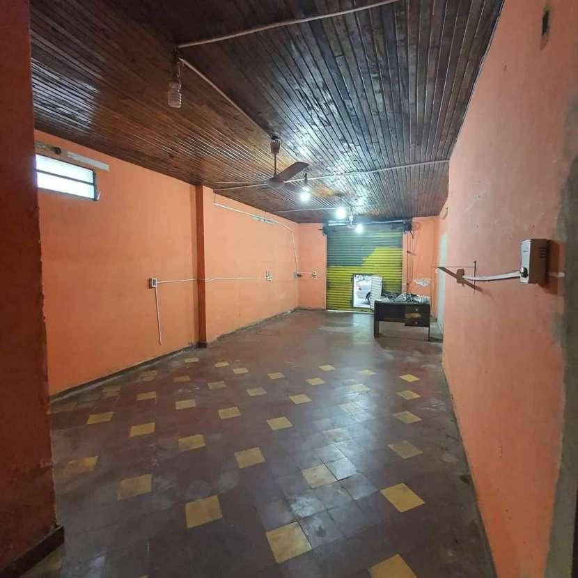 Salón comercial en el centro de Luque - 2