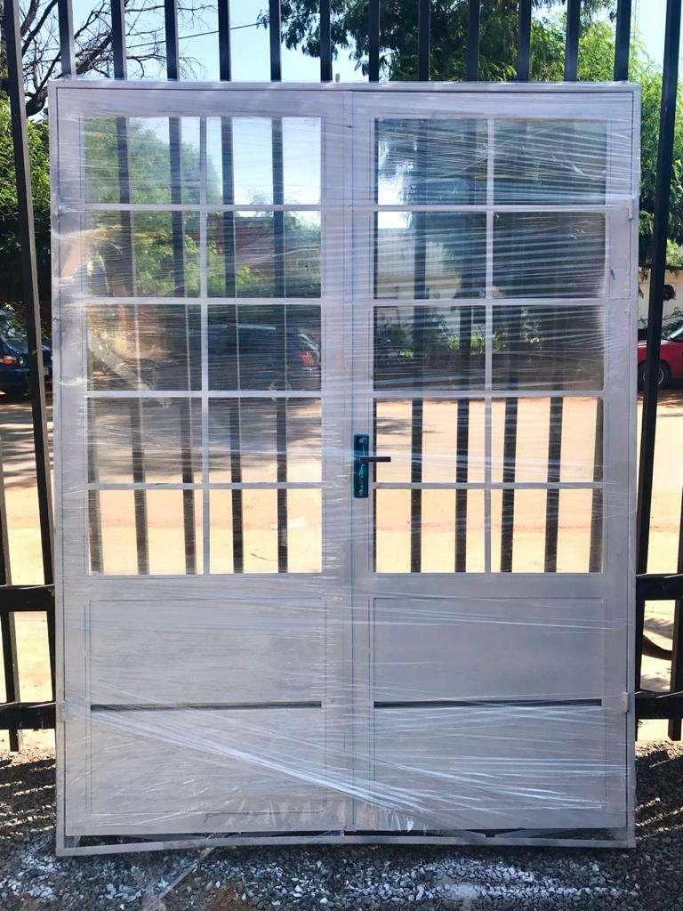 Puertas metálicas para el hogar - 3