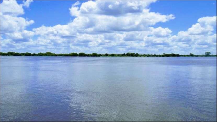 45 hectáreas en Villa Oliva costa sobre rio para puerto - 2