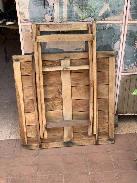 Mesa de madera - 1