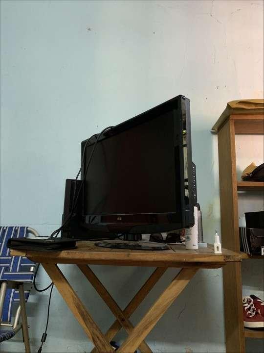 TV LCD AOC de 26 pulgadas - 1