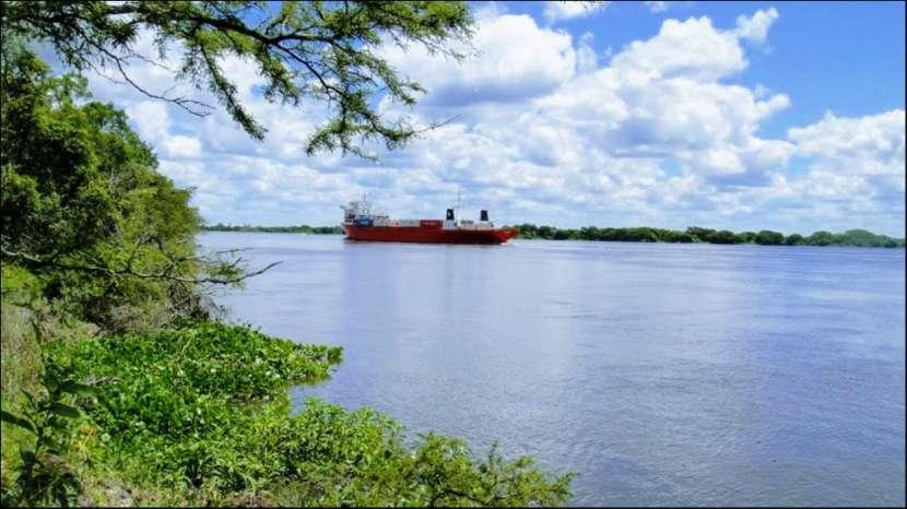 45 hectáreas en Villa Oliva costa sobre rio para puerto - 0