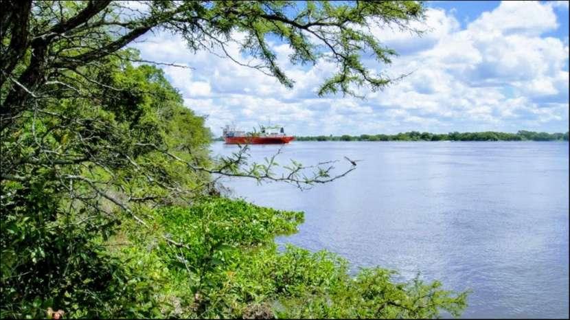 45 hectáreas en Villa Oliva costa sobre rio para puerto - 1