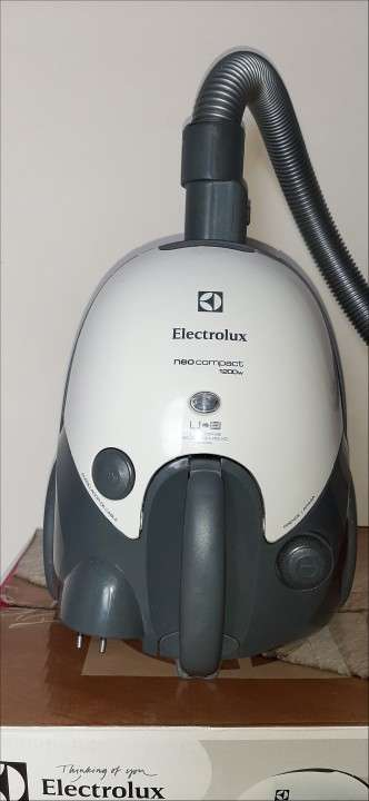 Aspiradora Electrolux neo compact 1200W - 4