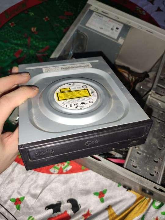 Computadora a completar - 1