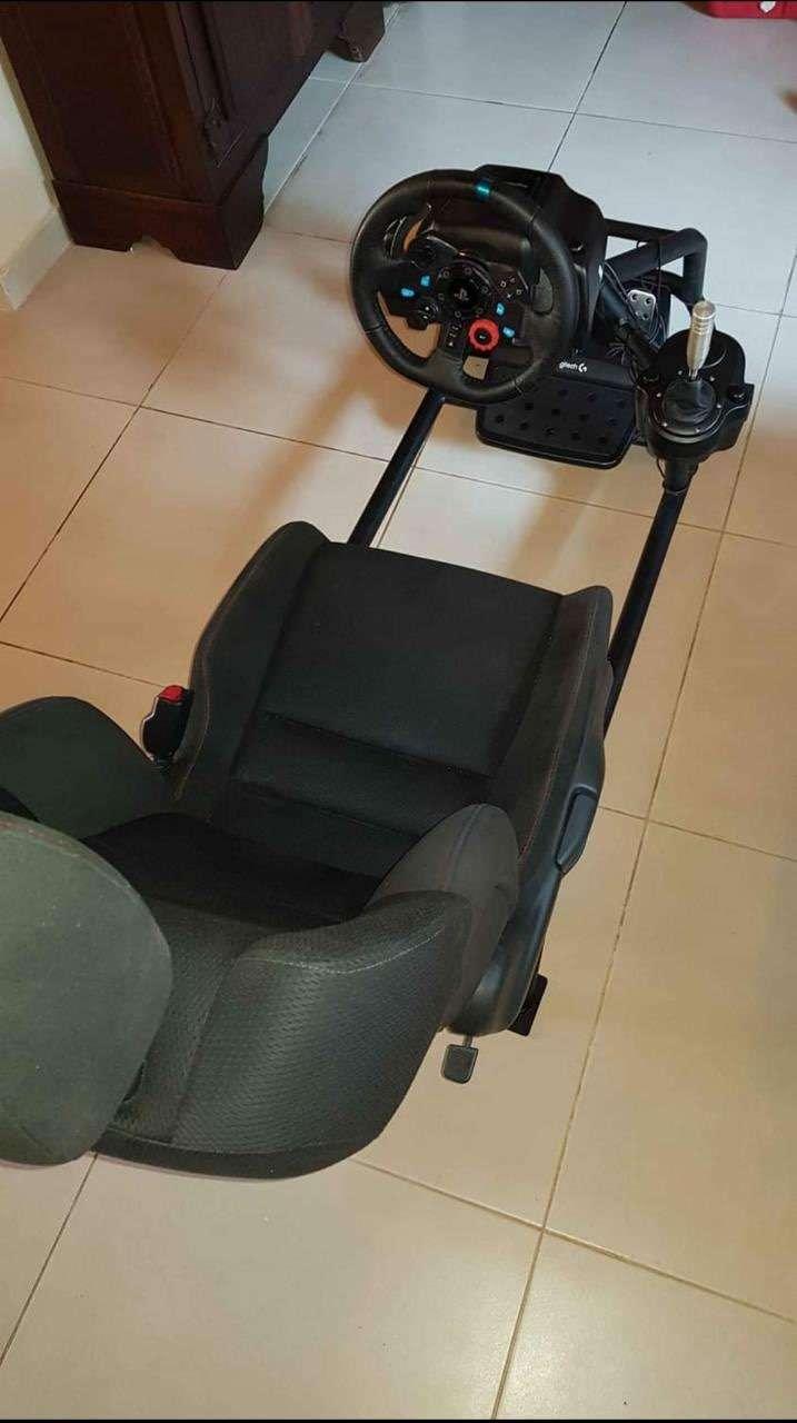 Logitech G29 simulador sin uso con volante de carrera y estructura - 2