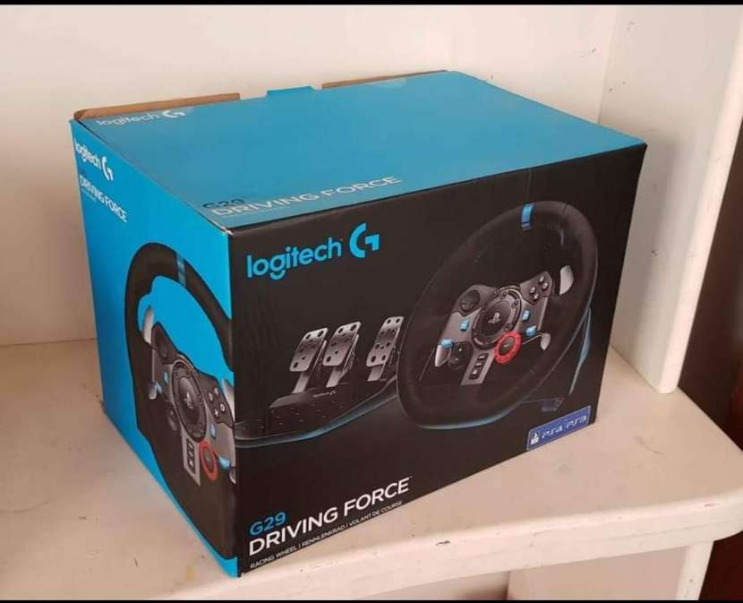Logitech G29 simulador sin uso con volante de carrera y estructura - 3