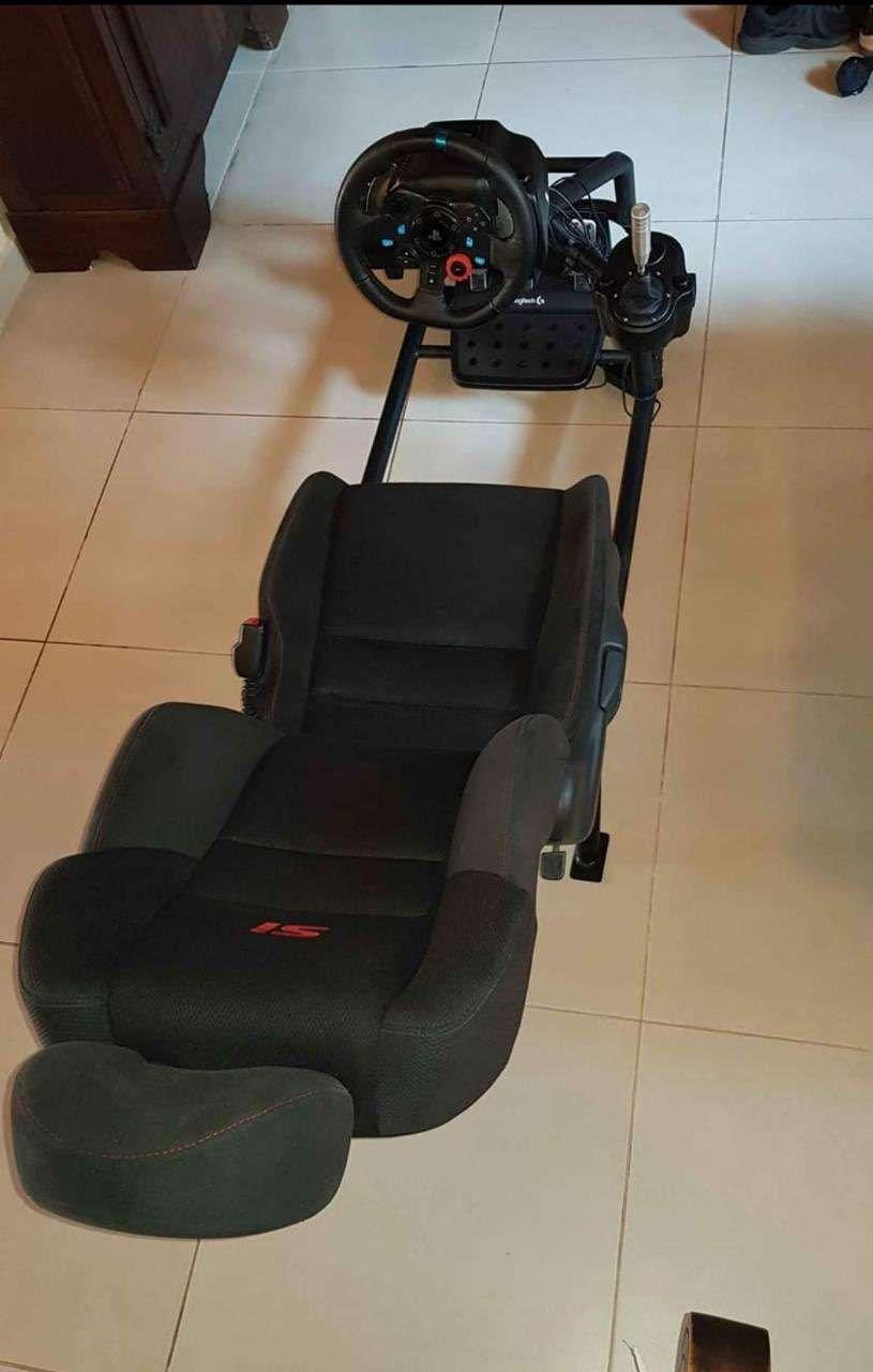 Logitech G29 simulador sin uso con volante de carrera y estructura - 4