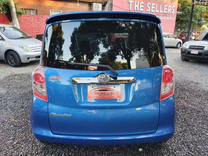 Toyota Ractis 2010 - 4