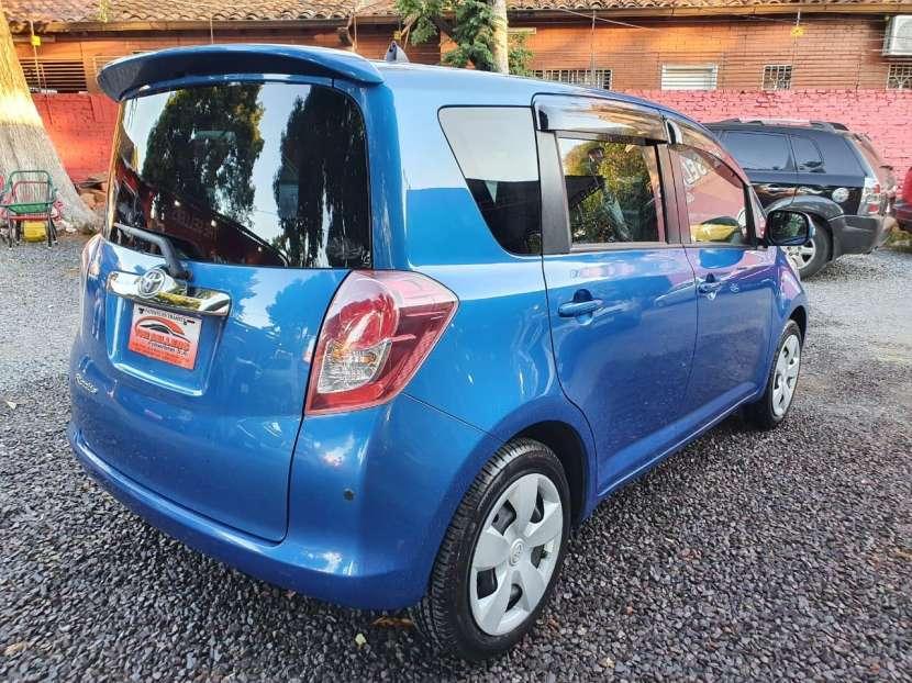 Toyota Ractis 2010 - 5