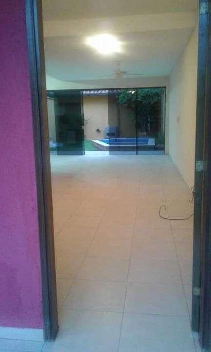 Duplex con piscina en Fernando de la Mora zona Norte - 2