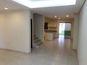 Duplex en Fernando de la Mora zona Hospital de Clínica
