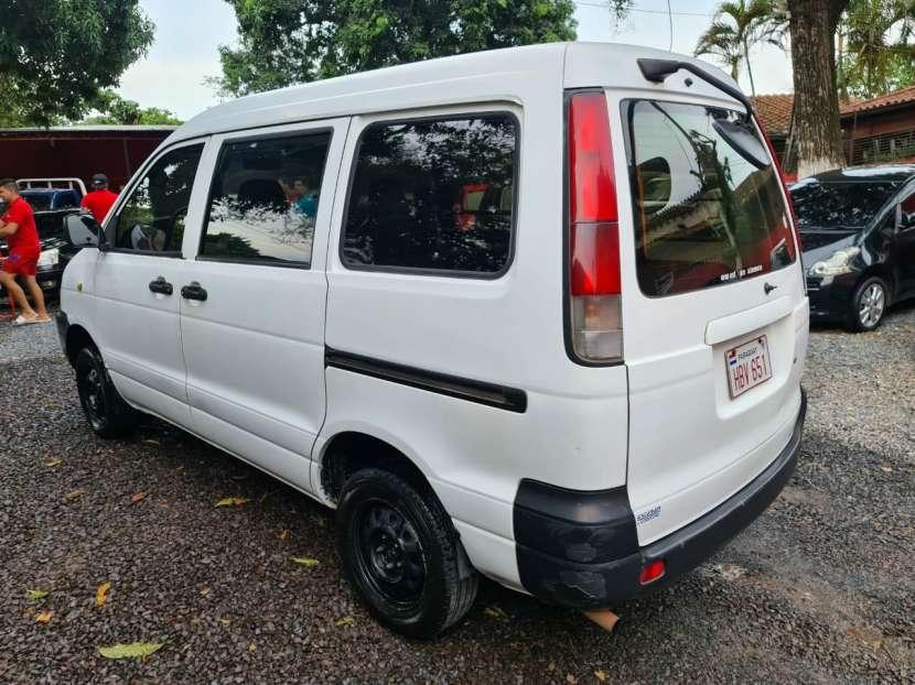 Toyota Noah 2001 - 5